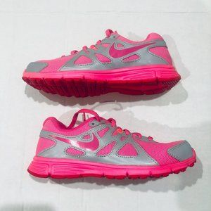 GIRL'S NIKE REVOLUTION 2  SIZE 4.5YSHOES PINK/GRA